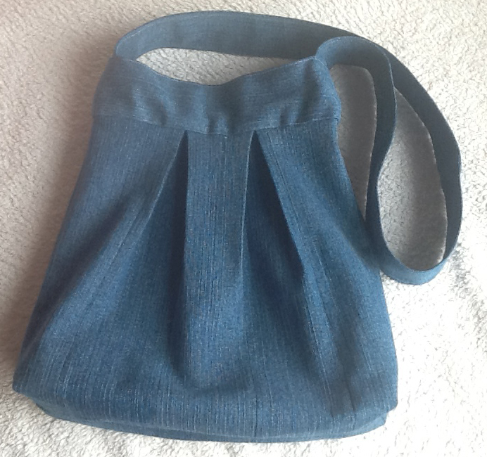 Sewing a Recycled Denim Jeans Bag